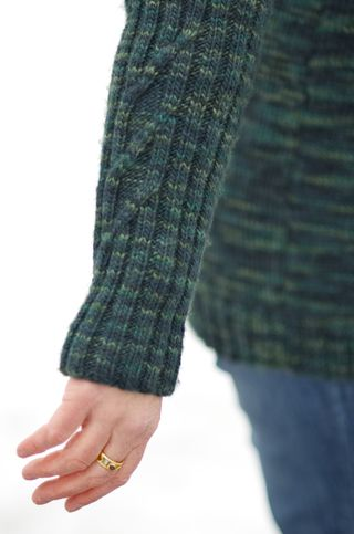 Darkgreen_sleevedetail_2