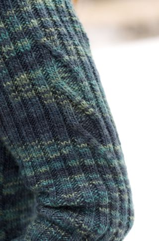 Darkgreen_sleevedetail