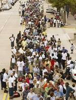 Line_outside_the_superdome